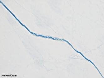 Crack in the Arctic ice