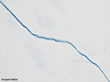 Crack in the Arctic ice
